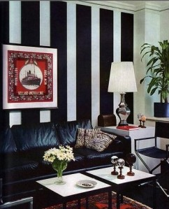 houzz-vintage-black-and-white-striped-chic-eclectic-living-room-by-flickrcom_1237217991645