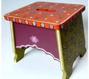 whimsical-hand-painted-childrens-step-stools_1237459362722