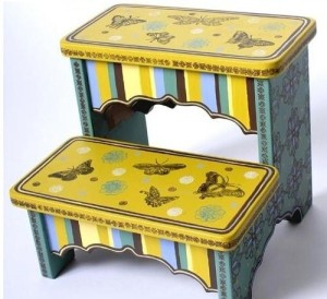 whimsical-hand-painted-childrens-step-stools_1237459420222